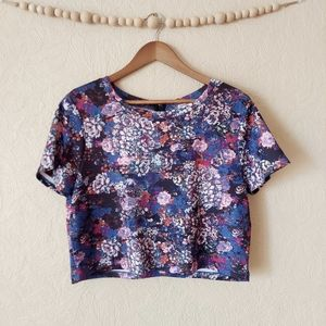 Eyeshadow floral crop top with pockets blue purple